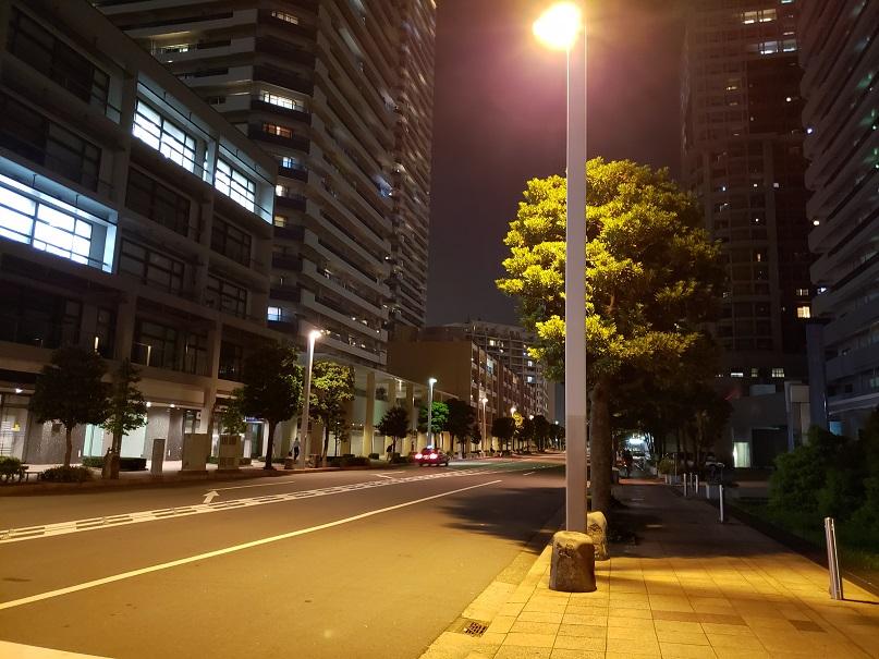 夜のポートサイド